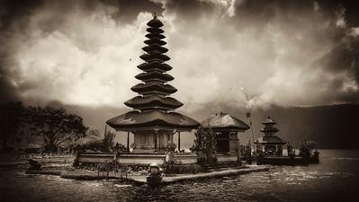 Bali Lake Temple
